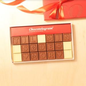 en æske chokolade, der siger jeg elsker dig